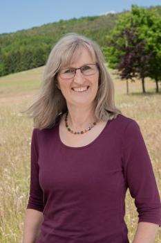 Frau Elke Beckebanze-Schuster